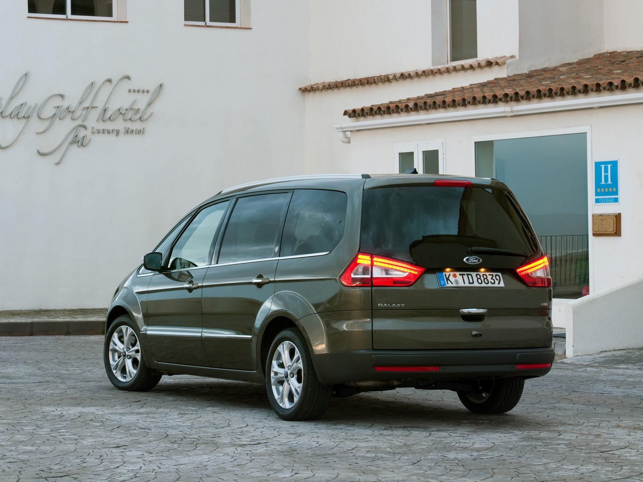 Ford Galaxy 1.8 2009 photo - 5