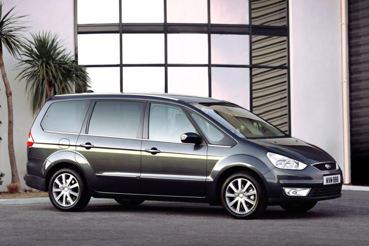Ford Galaxy 1.8 2009 photo - 7
