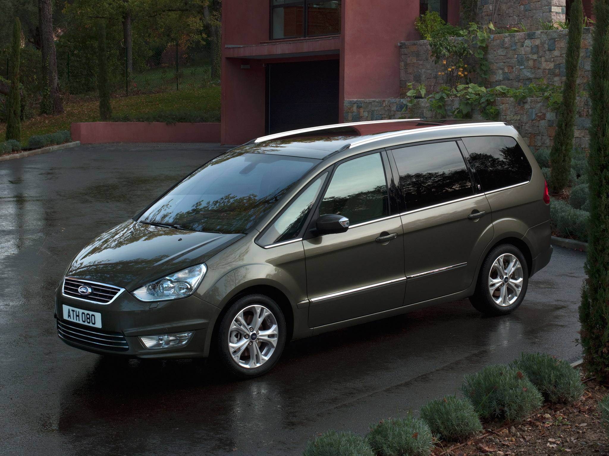 Ford Galaxy 1.8 2009 photo - 8