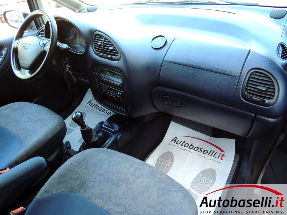 Ford Galaxy 1.9 1999 photo - 8