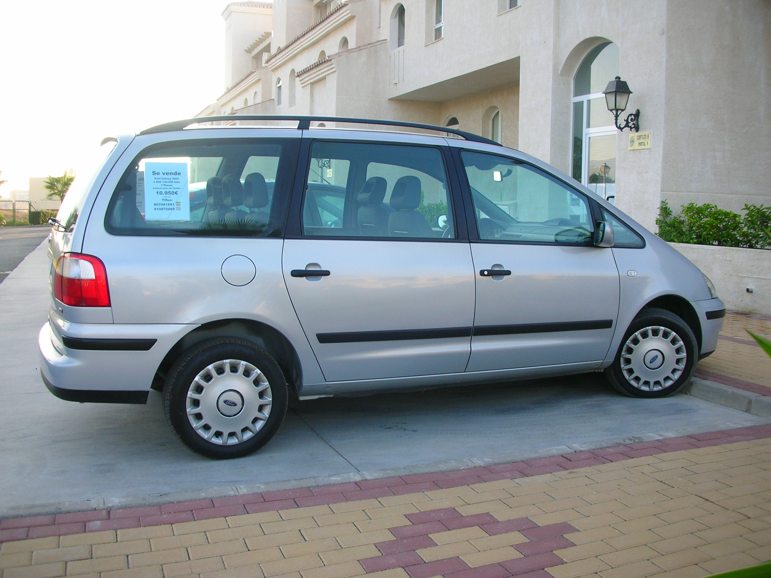Ford Galaxy 1.9 2002 photo - 8