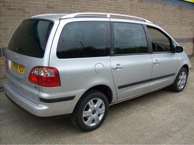 Ford Galaxy 1.9 2005 photo - 1