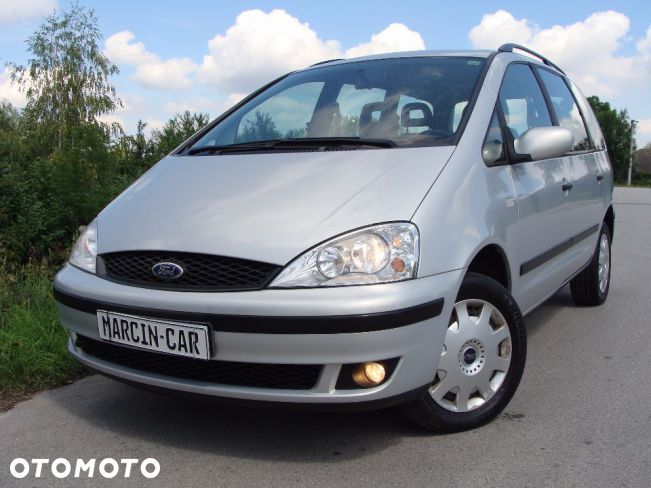 Ford Galaxy 2.0 1995 photo - 12