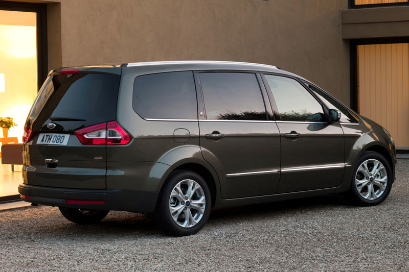 Ford Galaxy 2.0 2010 photo - 1