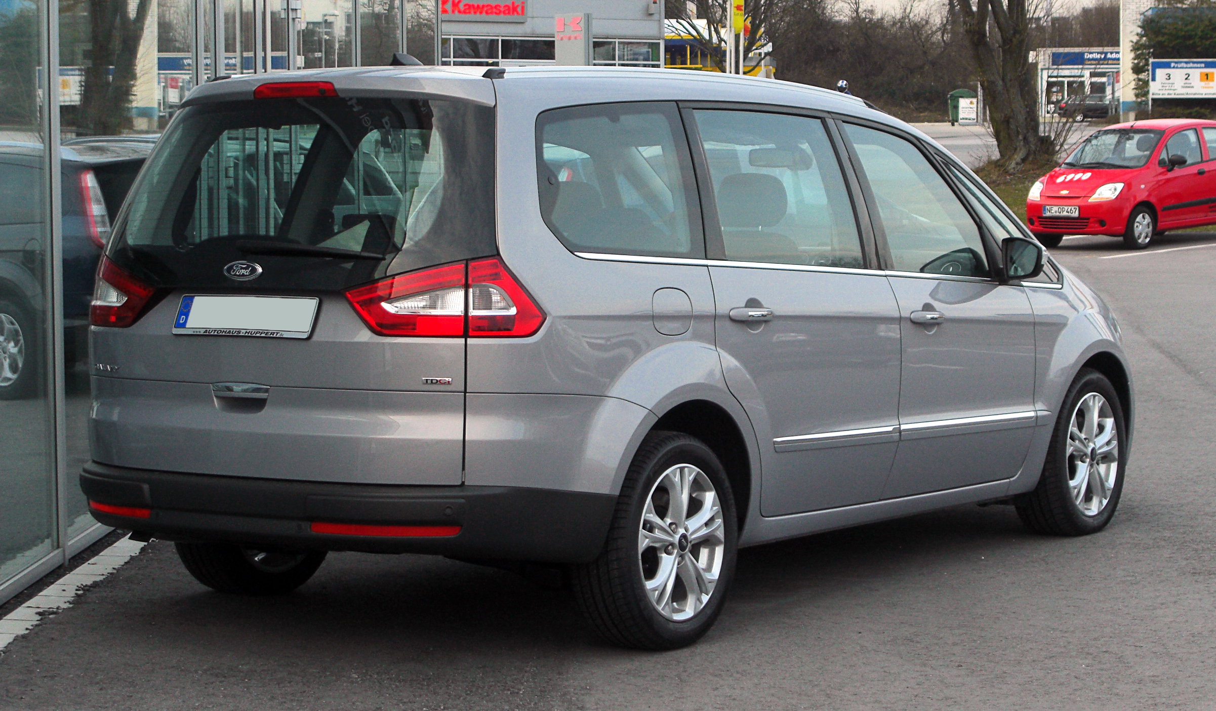 Ford Galaxy 2.0 2010 photo - 10