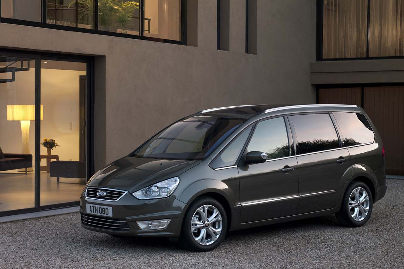 Ford Galaxy 2.0 2010 photo - 11