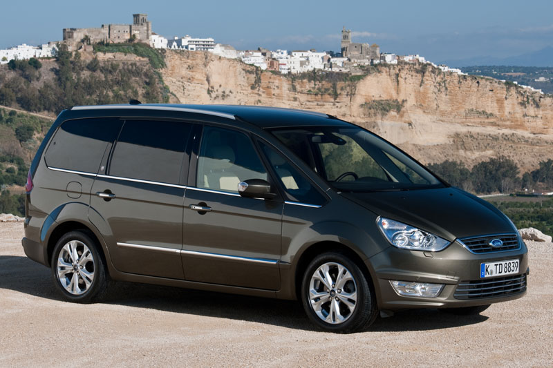 Ford Galaxy 2.0 2010 photo - 3