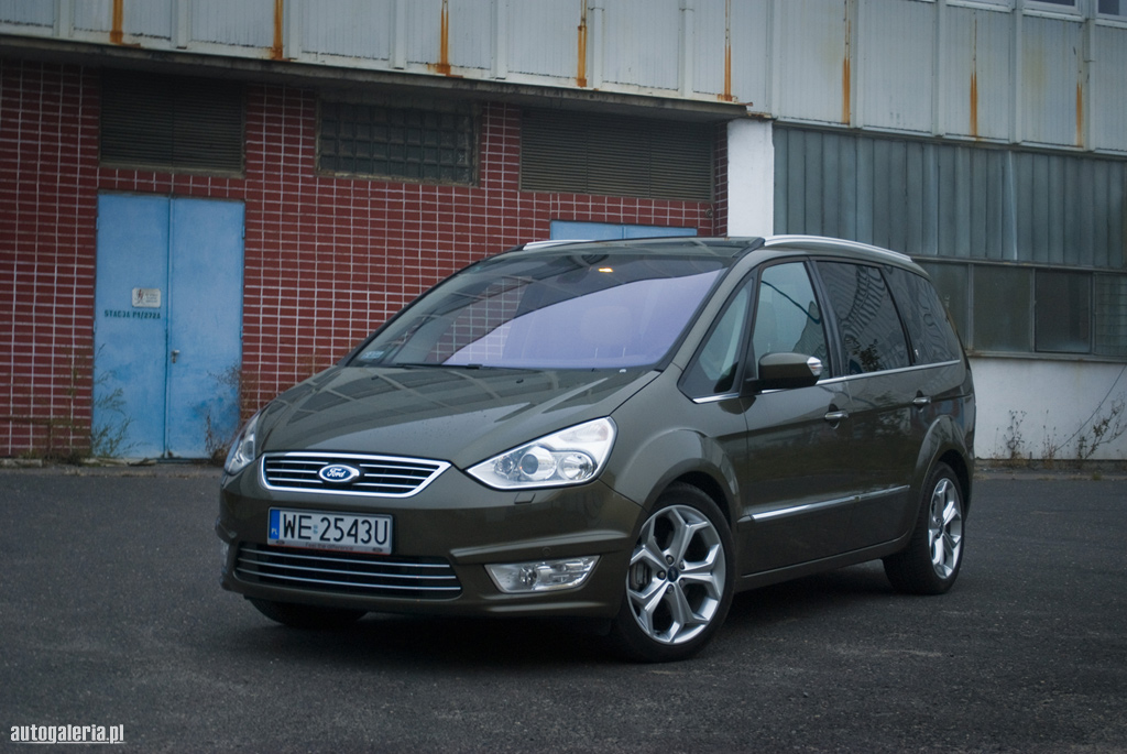 Ford Galaxy 2.0 2010 photo - 4