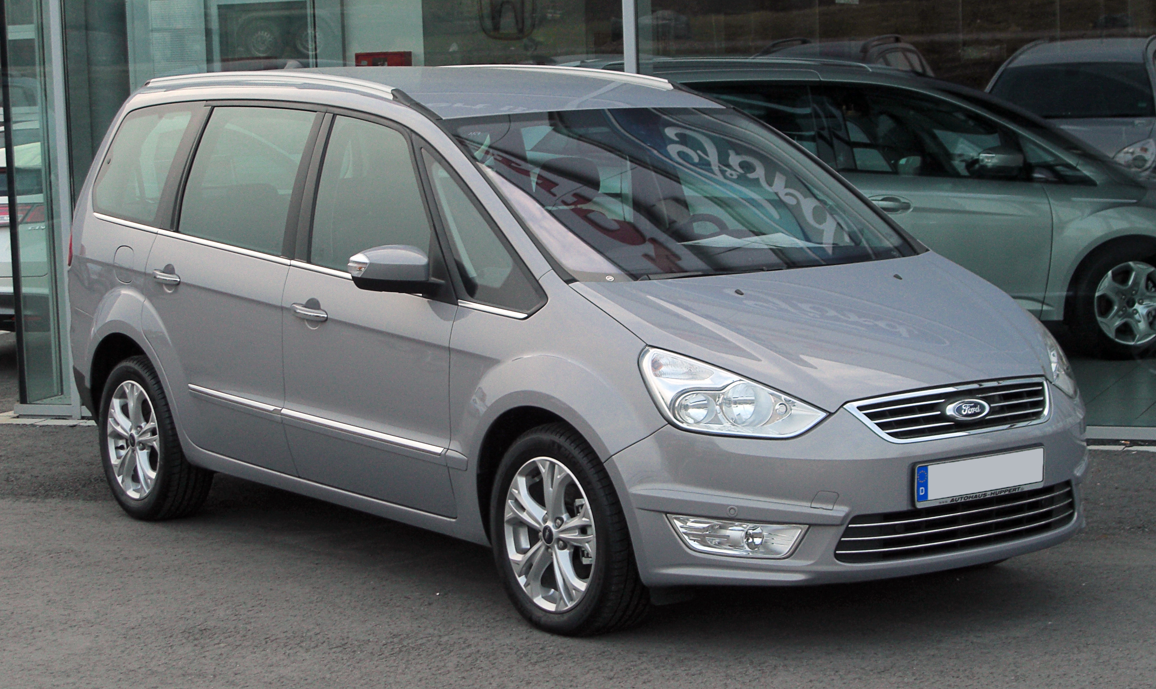 Ford Galaxy 2.0 2010 photo - 9