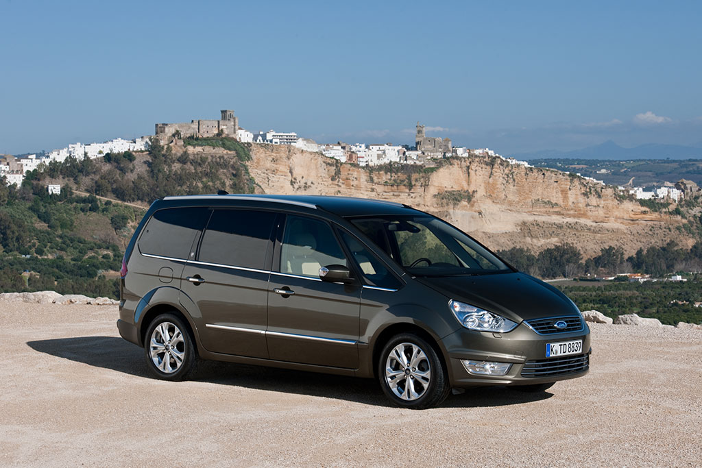 Ford Galaxy 2.2 2010 photo - 1