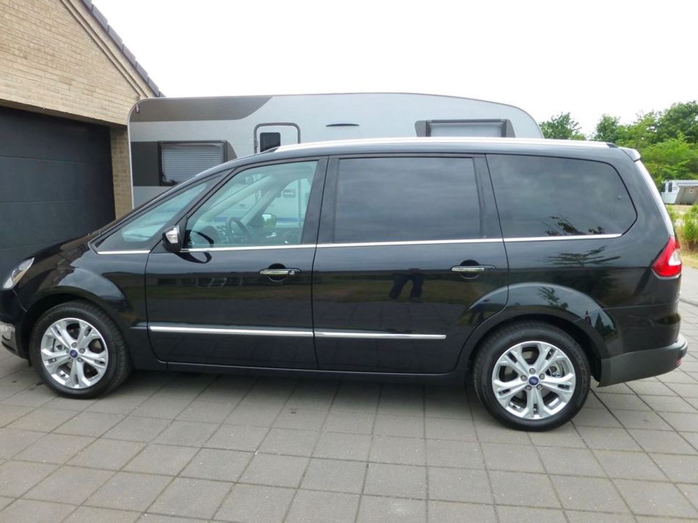 Ford Galaxy 2.2 2010 photo - 12