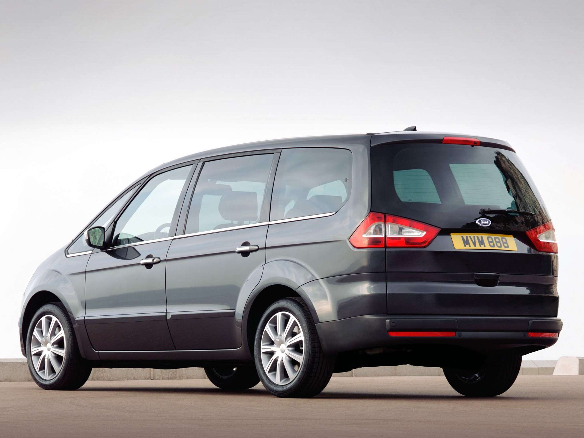 Ford Galaxy 2.2 2010 photo - 9