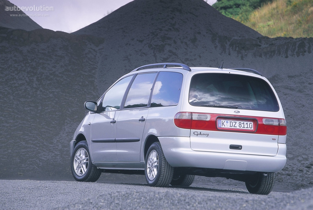 Ford Galaxy 2.8 1996 photo - 3