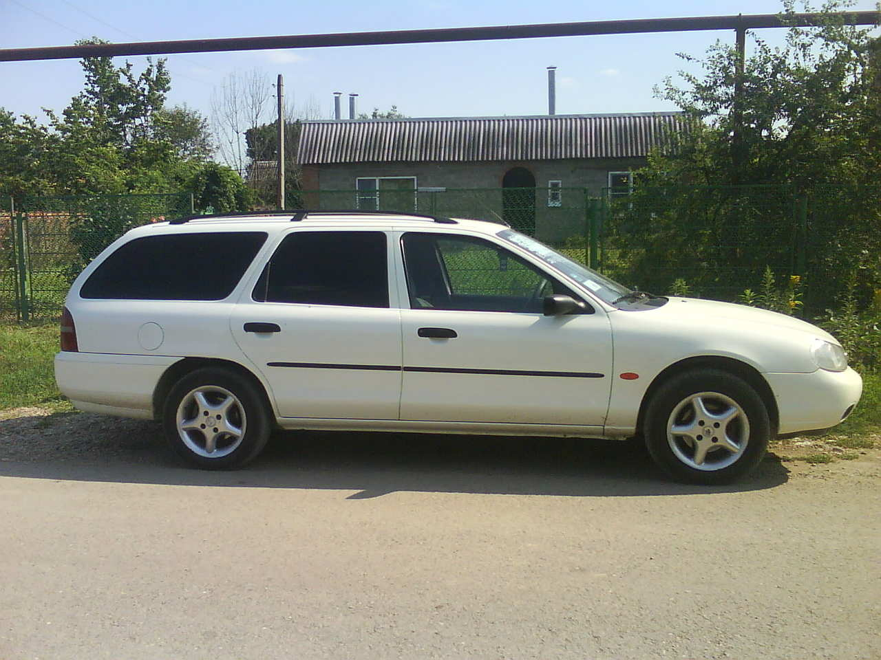 Ford Mondeo 1.6 1998 photo - 1