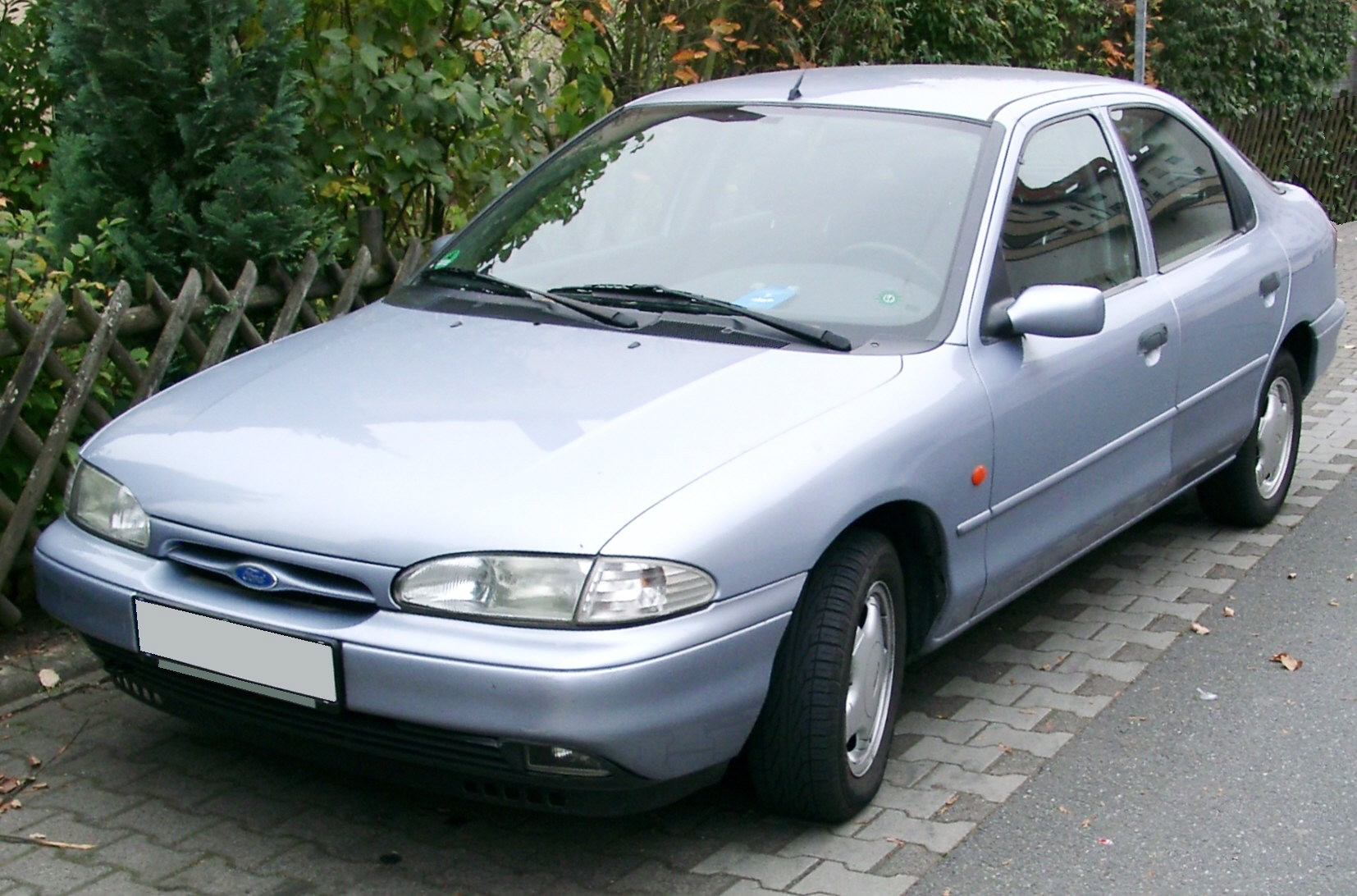 Ford Mondeo 1.6 2000 photo - 10