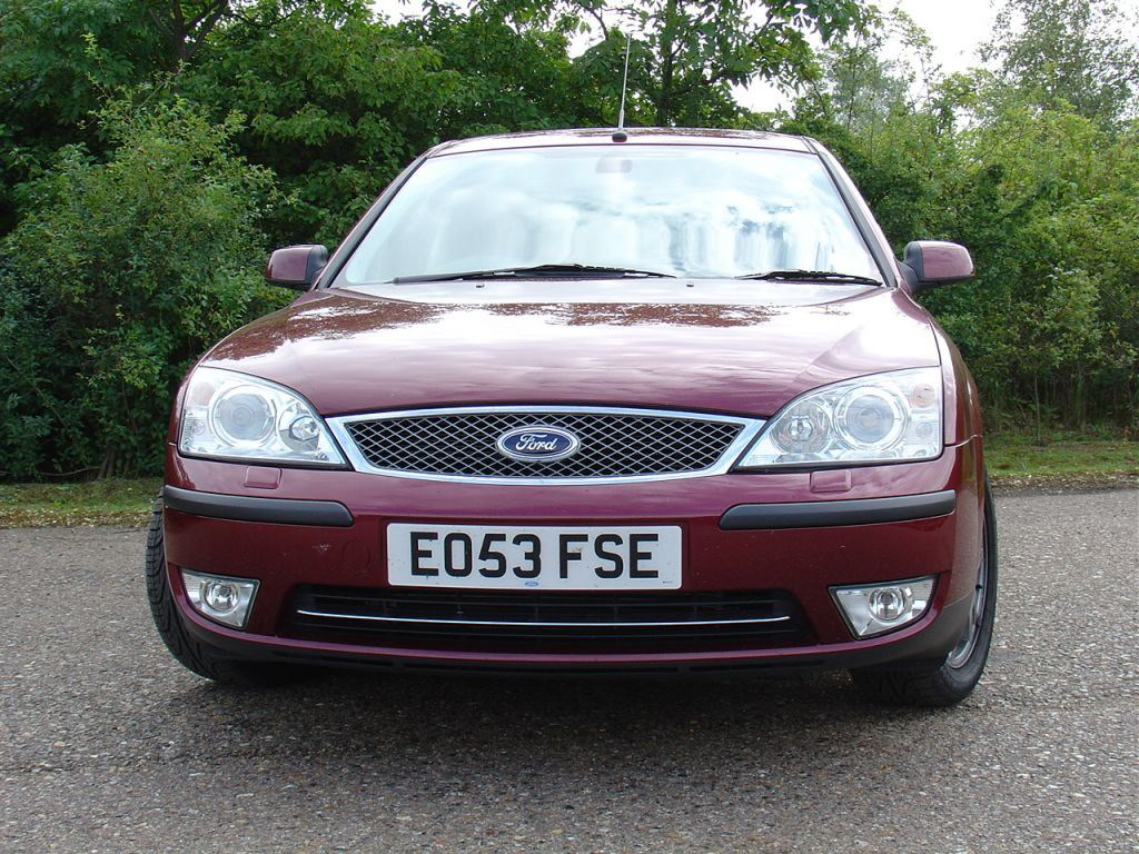Ford Mondeo 1.6 2000 photo - 9