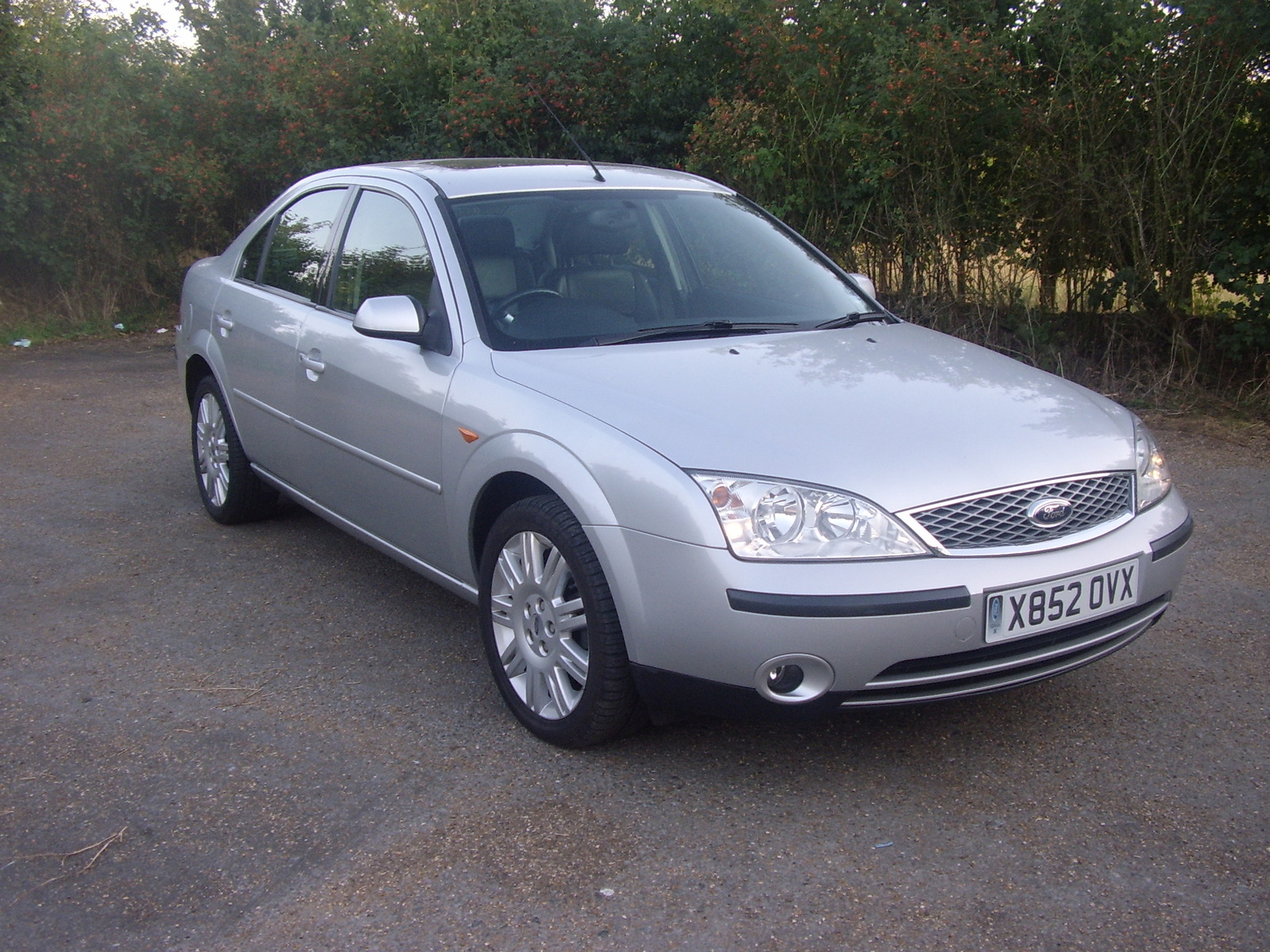 Ford Mondeo 1.6 2001 photo - 9