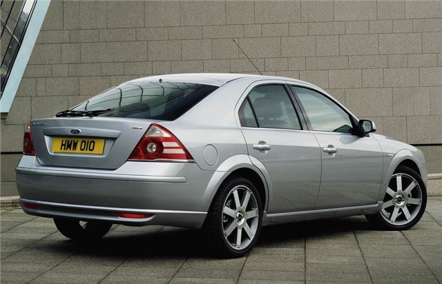 Ford Mondeo 1.6 2004 photo - 9