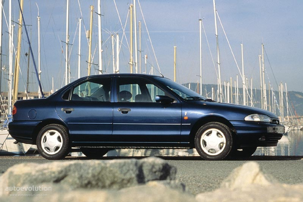 Ford Mondeo 1.8 1993 photo - 10