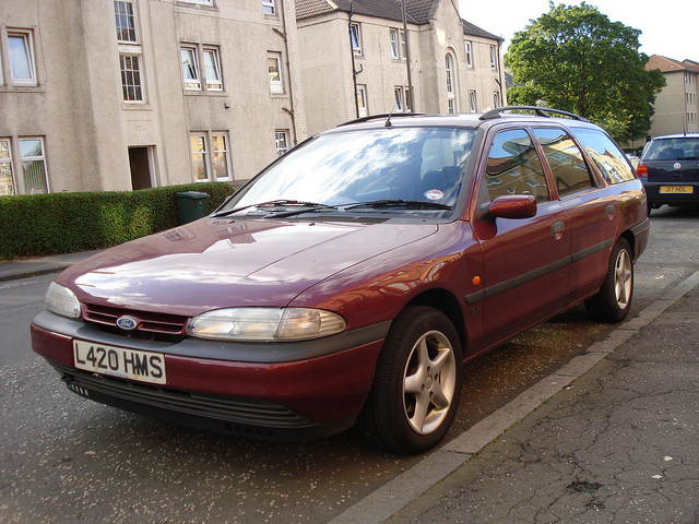 Ford Mondeo 1.8 1993 photo - 11
