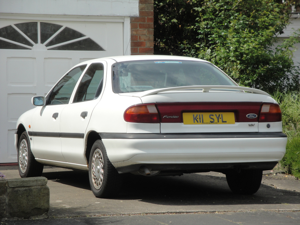 Ford Mondeo 1.8 1993 photo - 3