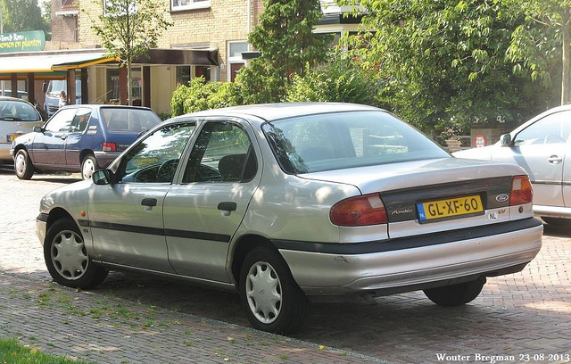 Ford Mondeo 1.8 1993 photo - 7