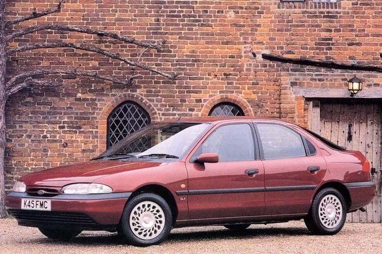 Ford Mondeo 1.8 1993 photo - 9
