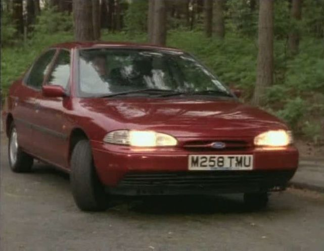 Ford Mondeo 1.8 1994 photo - 12