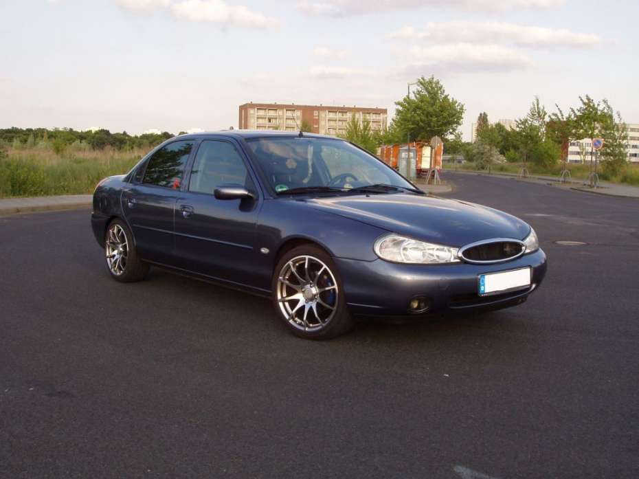Ford Mondeo 1.8 1996 photo - 10