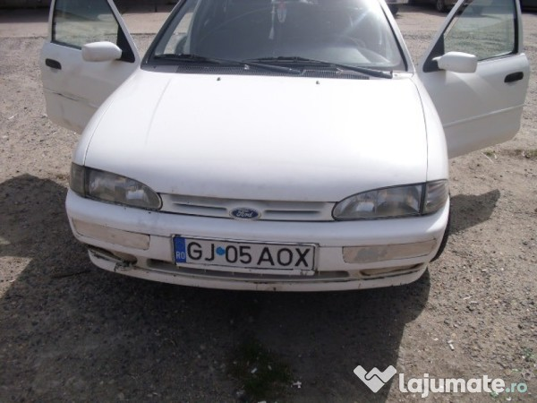Ford Mondeo 1.8 1996 photo - 9