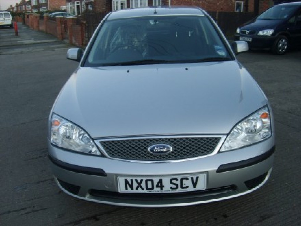 Ford Mondeo 1.8 2004 photo - 1