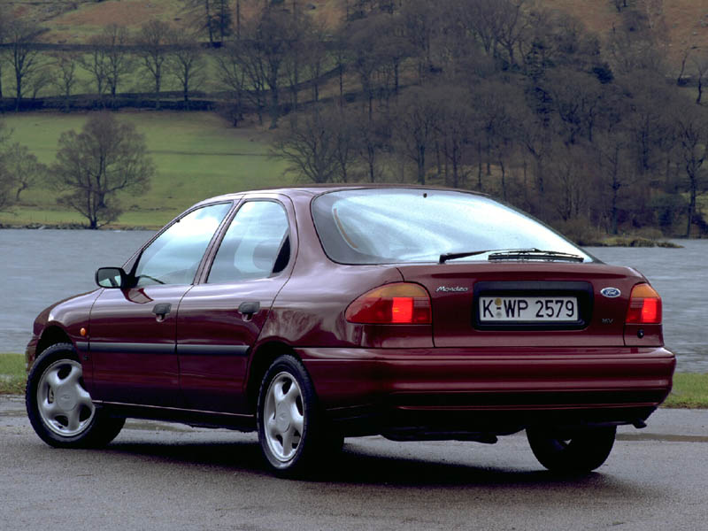 Ford Mondeo 2.0 1994 photo - 12