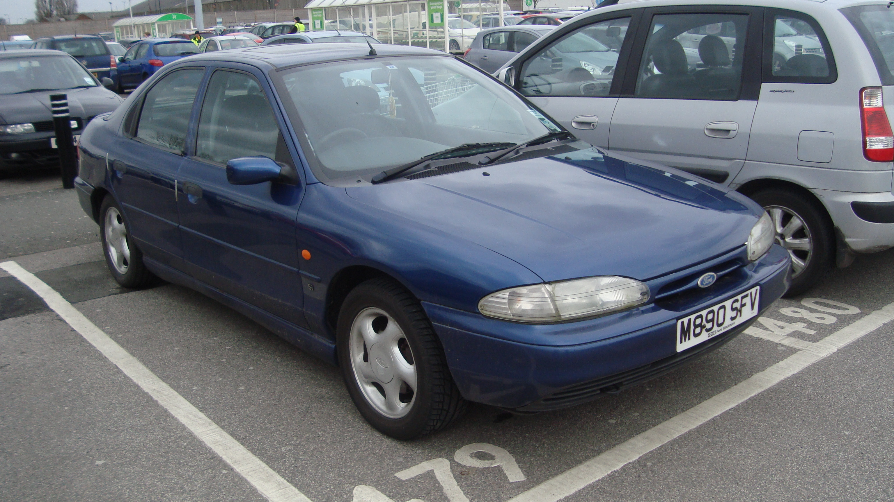 Ford Mondeo 2.0 1994 photo - 3