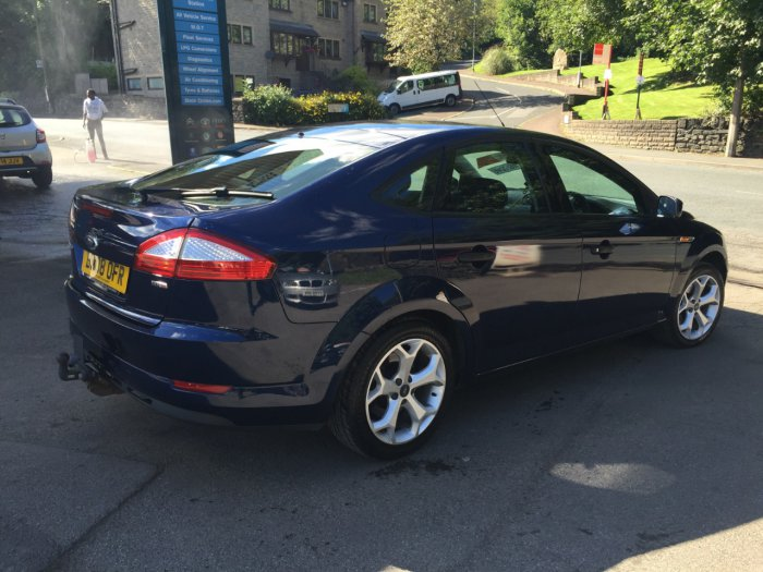 Ford Mondeo 2.0 1995 photo - 11
