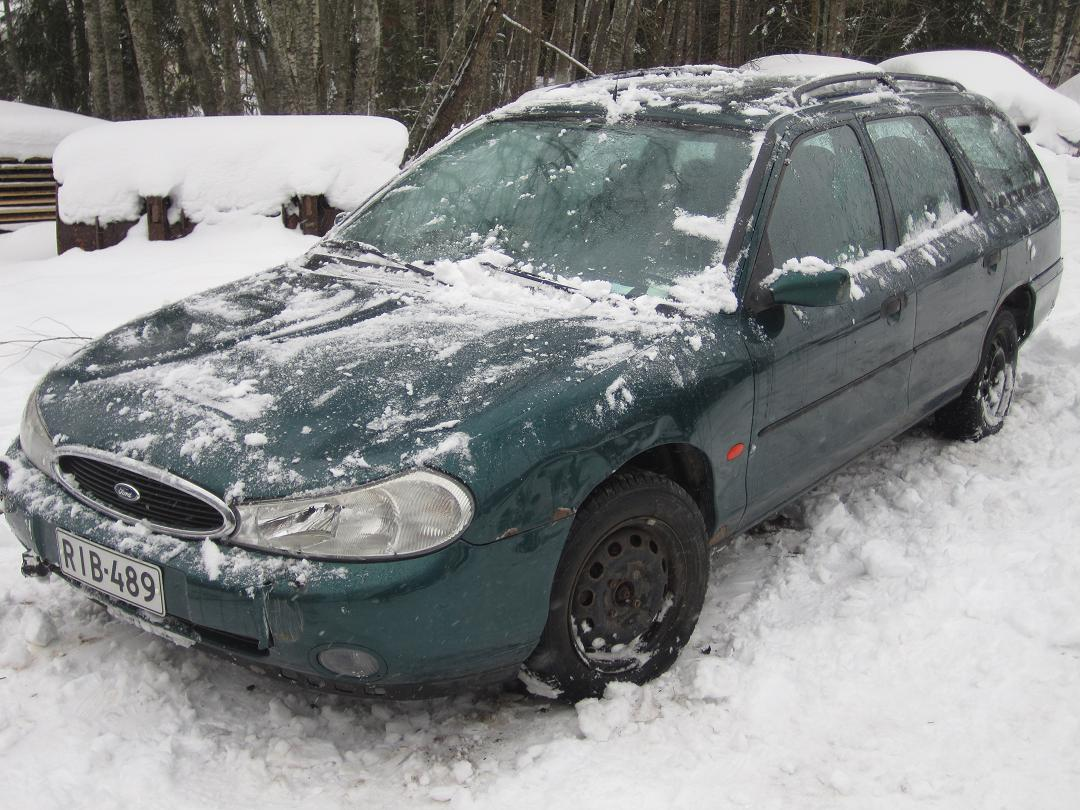 Ford Mondeo 2.0 1997 photo - 12