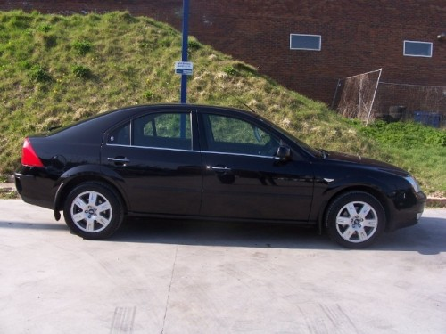 Ford Mondeo 2.0 2004 photo - 12