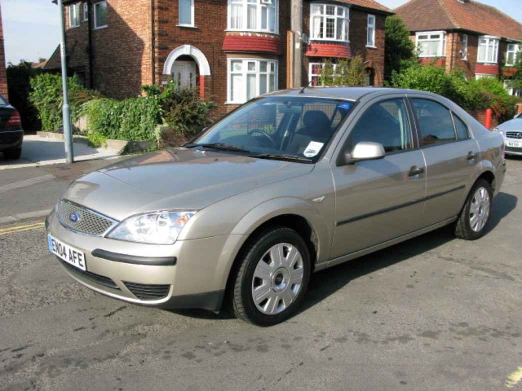 Ford Mondeo 2.0 2004 photo - 3
