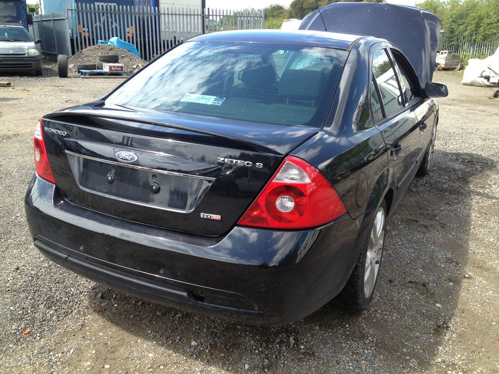 Ford Mondeo 2.0 2004 photo - 4