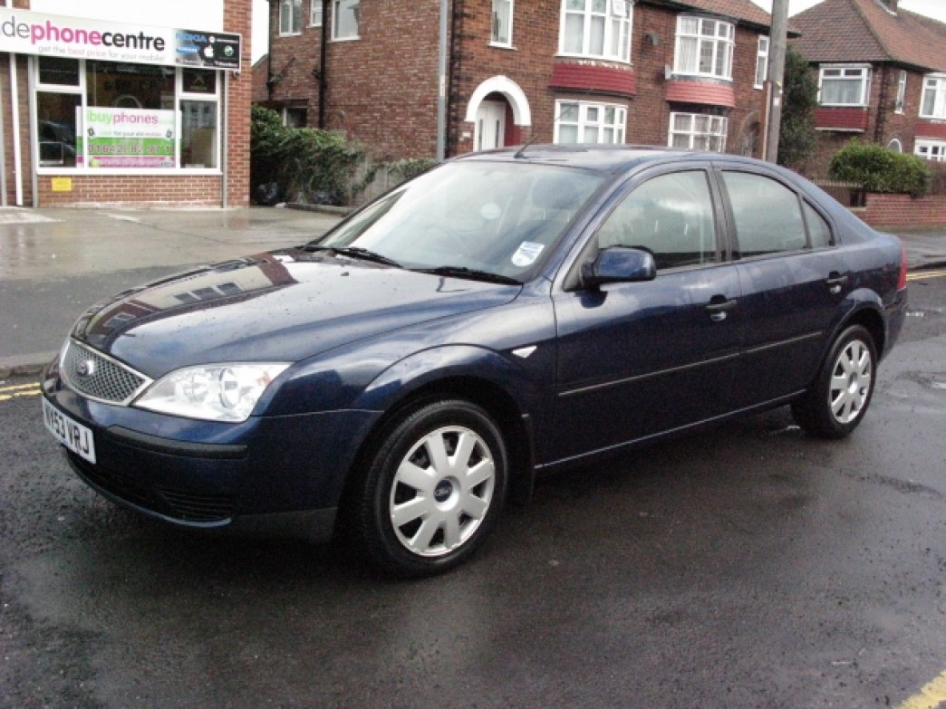 Ford Mondeo 2.0 2004 photo - 8