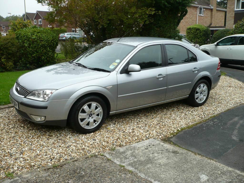 Ford Mondeo 2.0 2005 photo - 2