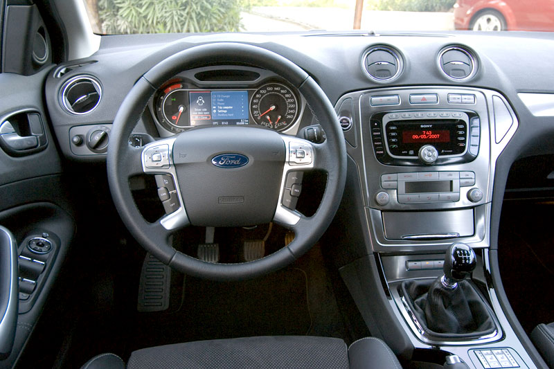 Ford Mondeo 2.0 2009 photo - 12
