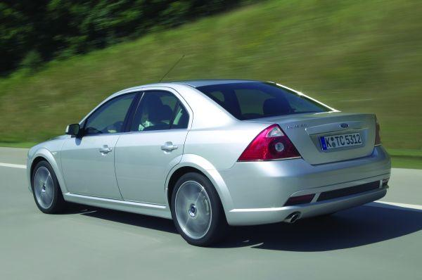 Ford Mondeo 2.2 2004 photo - 8