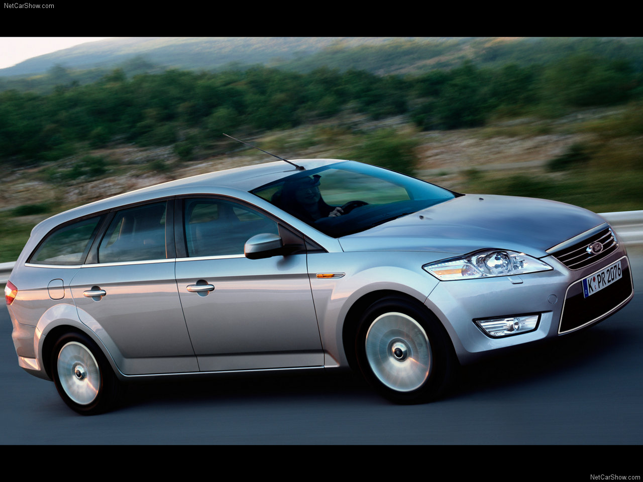 Ford Mondeo 2.3 2007 photo - 12