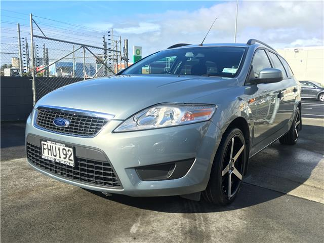 Ford Mondeo 2.3 2010 photo - 2