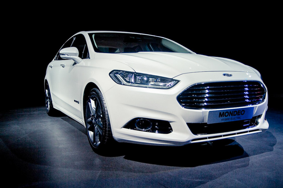 Ford Mondeo 2.3 2013 photo - 2