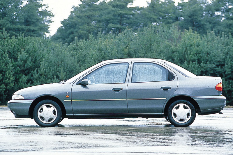 Ford Mondeo 2.5 1995 photo - 11