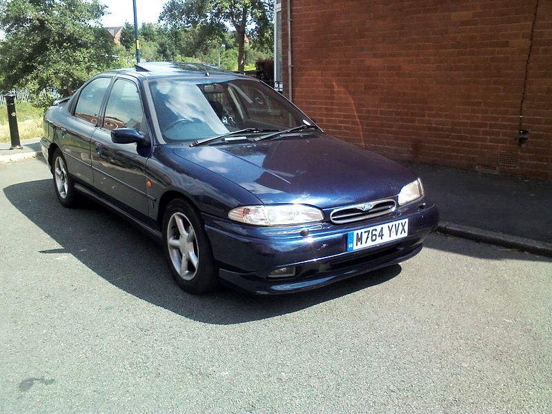 Ford Mondeo 2.5 1995 photo - 3