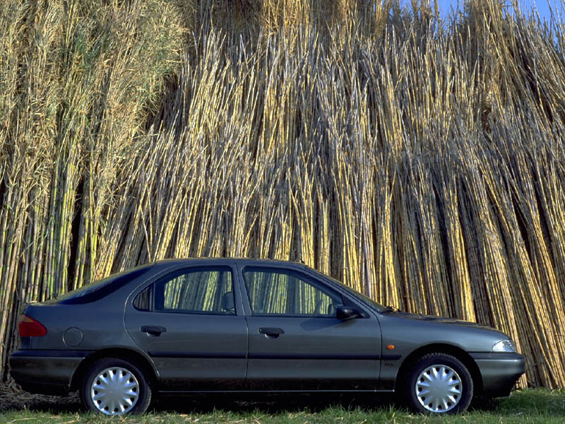Ford Mondeo 2.5 1995 photo - 9