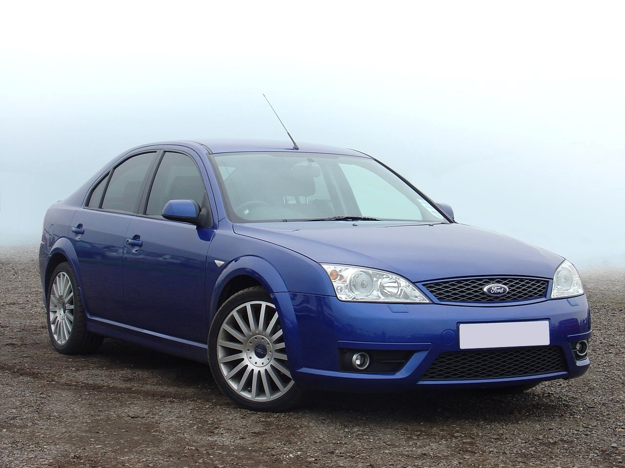 Ford Mondeo 2.5 1996 photo - 4