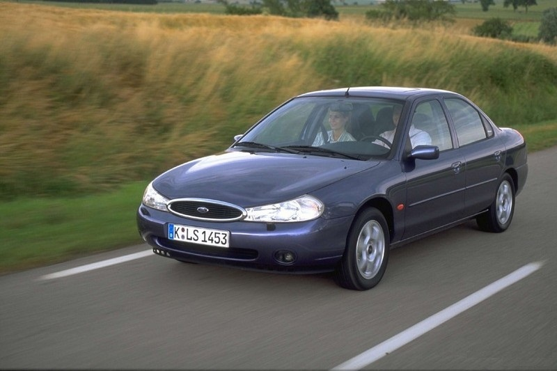 Ford Mondeo 2.5 1996 photo - 5